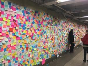 In der Subway-Station am Union Square haben die bunten Zettel Popularität erlangt. Bildquelle: Eigene Aufnahme